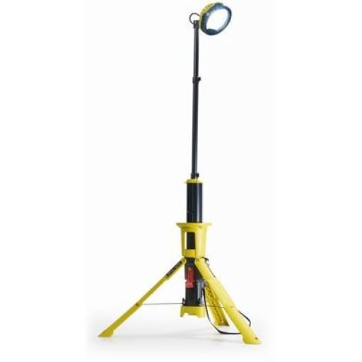 Peli 9440 Remote Area Lighting System - 2,400 lumen 3-6HR